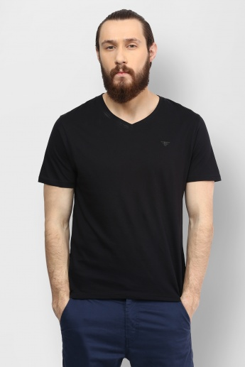 FAME FOREVER Solid V-Neck T-Shirt