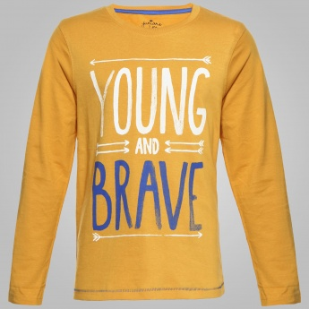 JUNIORS Young & Brave Print T-Shirt