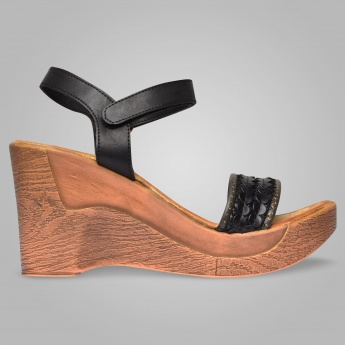 INC.5 Velcro Closure Heels