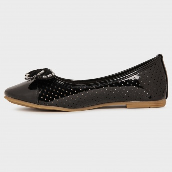 JUNIORS Perforated Flat Slip Ons
