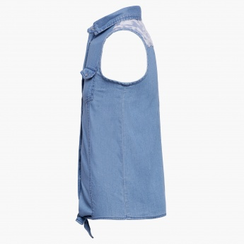 JUNIORS Knot Up Sleeveless Shirt