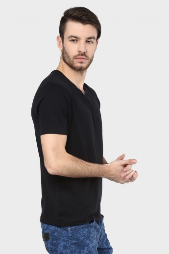 BOSSINI Solid V-Neck T-Shirt