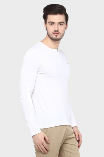 FAME FOREVER Solid Henley Collar T-Shirt