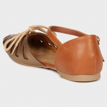 GINGER Closed Toe Sandals