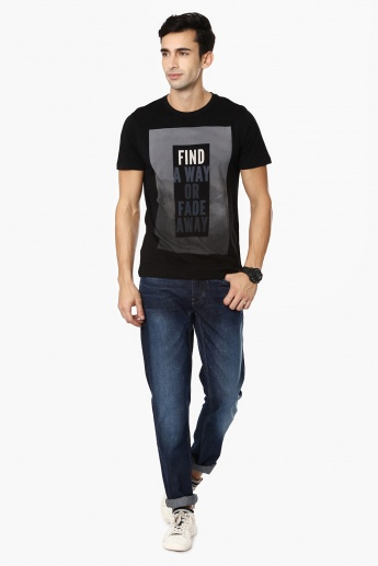 FAME FOREVER Quote Imprint Crew Neck T-Shirt