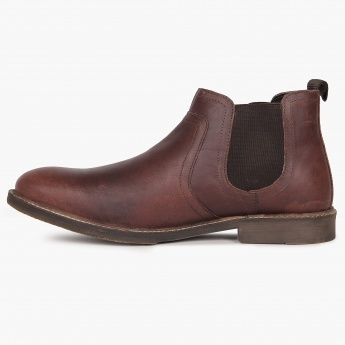 RED TAPE Classic Chelsea Boots