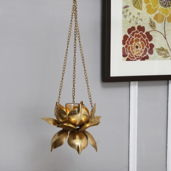 Hanging lotus tea light holder