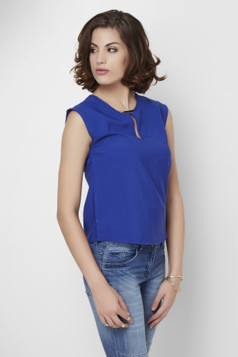 GINGER Solid Round Neck Sleeveless Top
