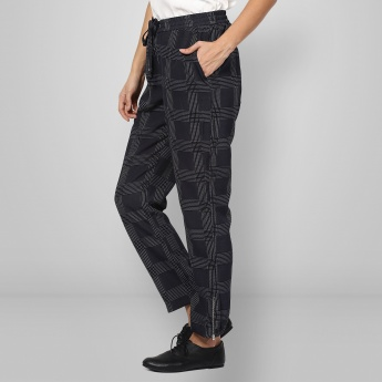 UNITED COLORS OF BENETTON Checked Elasticated Waist Pants