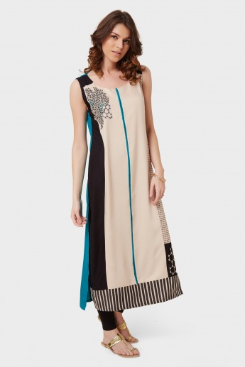 W Printed Embroidered Sleeveless Kurta