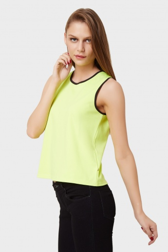 UNITED COLORS OF BENETTON Sleeveless Solid Muscle Tee