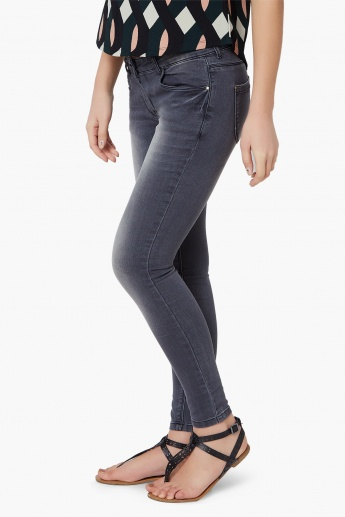 FAME FOREVER Stonewashed Skinny Jeans