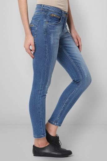 GINGER Lightly Distressed Jeans