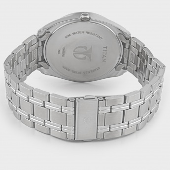 TITAN NF1582KM02 Analog Day & Date Watch
