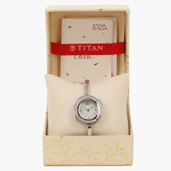 TITAN Raga 95003SM01J Analog Watch