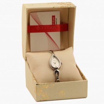 TITAN Raga NE2400SM01 Analog Watch