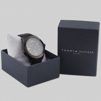 TOMMY HILFIGER TH1791017J Men Analog Watch